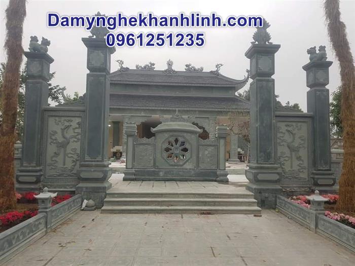 Mẫu cổng đá nhà thờ họ làm  từ đá xanh nguyên khối đẹp