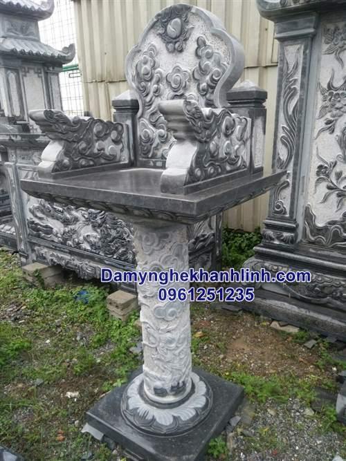 Mẫu bàn thờ thiên đơn giản chạm rồng với chân trụ tròn