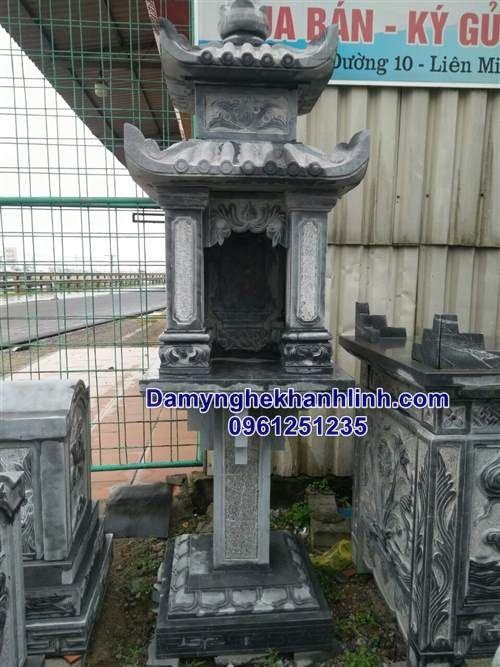 Mẫu bàn thờ thiên bằng đá thiết kế có mái và chân cột vuông